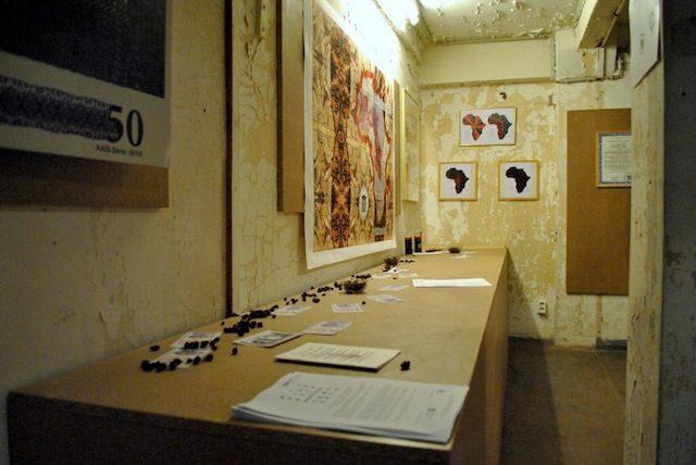 Laboratoire de Déberlinisation, installation by Mansour Ciss © Photo Chiara Cartuccia, 2014